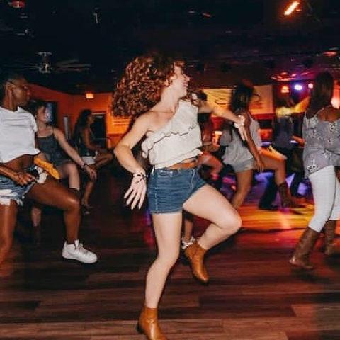 Line Dancing Honkytonk Saloon