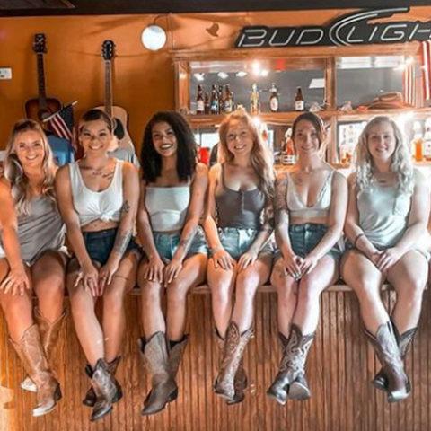 Honkytonk Saloon Girls